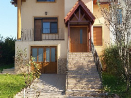 Vila Izvorului ,D+P+M, ctr 2011, sc 350 mp,gaz, teren 950