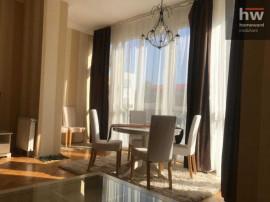 Apartament in vila 3 camere,Buna Ziua