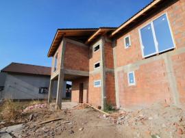 Duplex cu pereti individuali in cartierul Cora, zona de Nord