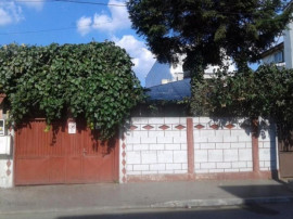 Casa 4 camere , teren 217 mp Zona Grivita renovata in 2008