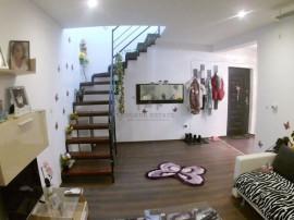 Apartament cu 3 camere în zona Lipovei
