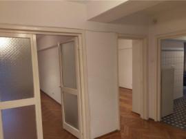 Nemobilat Apartament 2 camere.Splaiul Unirii