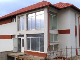 Apartament cu 3 camere în Dambul Rotund, zona Lidl
