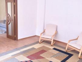 Casă / Vilă cu 3 camere în zona Casa de Cultura