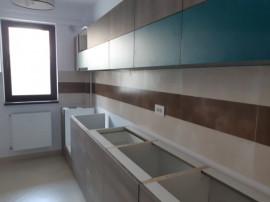 Apartament 2 camere D Bloc Nou bucatarie mobiltata