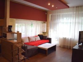 Inchiriere apartament cu 3 camere semidecomandat, zona Plopi