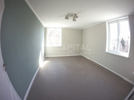 Apartament 2 camere decomandat, cu garaj, zona The Office