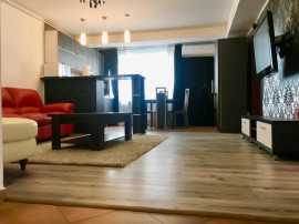 Apartament cu 3 camere în zona Tomis Nord