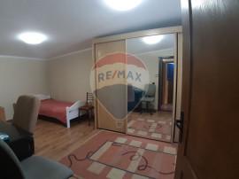 Apartament de inchiriat la casa decomandat