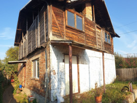 Casa in Campina, P+E,an 1996, teren 975 mp, ieftin !