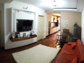 Apartament 3 camere semidecomandat zona Intre Lacuri