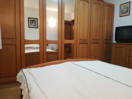 Apartament trei camere, etajul 1, 2 bai, 9 Mai cu beci liber