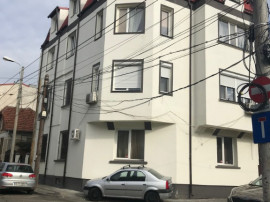 Apartament 3 camere, curte, renovat si mobliat Popa Nan