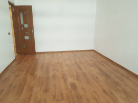 Apartament doua camere, renovat, la Nord