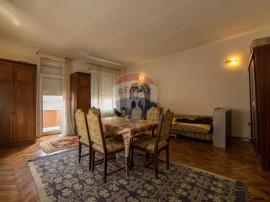 Apartament cu 3 camere de vânzare în zona Ultracentral