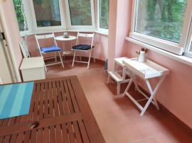 Universitate- Romana parter inalt cu terasa 3 camere + birou
