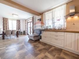 Casă / Vilă cu 5 camere de vânzare în Livada