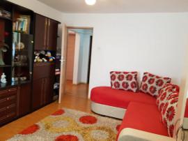 Apartament cu 3 camere in Zona Vest