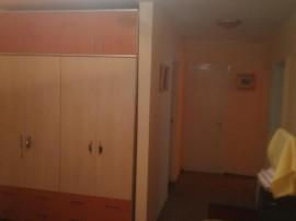 Apartament cu 4 camere, zona Liceul de Arte