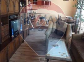 Apartament cu 4 camere de vanzare, Marghita