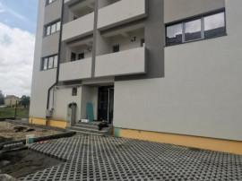 Apartament 3 camere Mioveni   Bloc NOU Robea, 78mp, Str. Par