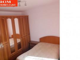 Apartament trei camere, mobilat, Bazinul de Inot