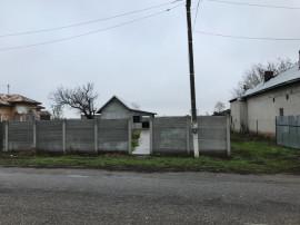 Casa com gostavatu jud olt la strada principala