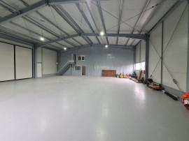 Hala industriala noua in Campina, 250mp, parcare, utilitati!