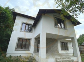Comision 0% - Casa Stefanesti Valea Mare-Podgoria 4 camere
