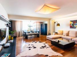 Apartament de lux cu 3 camere în zona Unirii