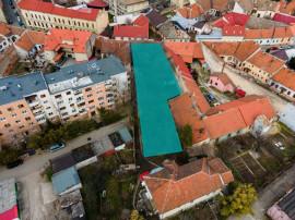 Teren central pretabil construcțiilor de locuințe