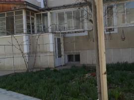 Imobil Central,pretabil diverse activități sau locuință