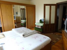 Casă 4 camere din cărămidă, cartier Pârneava