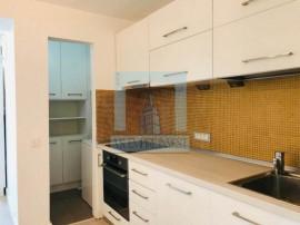 Apartament 3 camere- Zona Centrul Civic (mobilat-utilat)