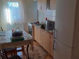 Apartament 3 camere zona TRACTORUL