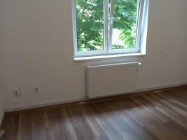 2 camere Tractorul, decomandat, confort I, etajul 1, 60.000€