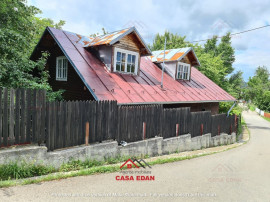 Casa din lemn in Telega,an 2007,P+M,teren 716 mp, 27.000 E !
