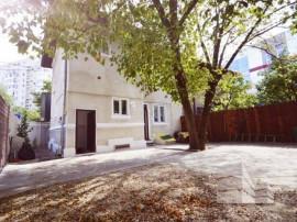 Villa 149 sqm for sale on strada Dristorului