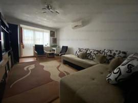 Apartament decomandat, 2 camere, utilat/mobilat-Zona Astra