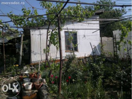 Casa batraneasca si teren intravilan, strada Oituz