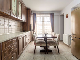 Apartament 4 camere penthouse - Bragadiru Coralului
