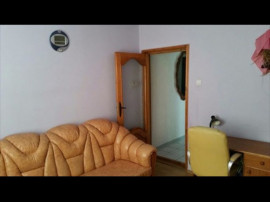 Apartament 3 camere Central Buhusi str. A.I.Cuza