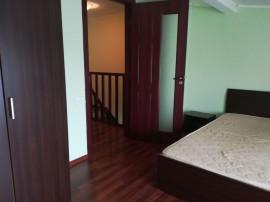 Inchiriez apartament cu 2 camere,scara interioara,in Berceni
