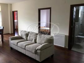 Apartament cu 3 camere în zona str. Romul Ladea