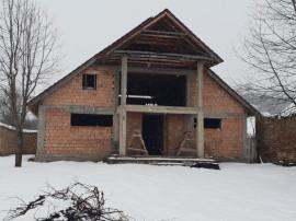 Imobil -pensiune- in saschiz -cloașterf la 25 km sighișoara