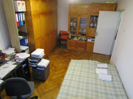 Apartament cu 3 camere, cf. 1. dec., etaj 7/7, zona Fortuna