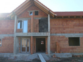 Duplex 149mp utili 336mp teren proprietate pretabila pent...