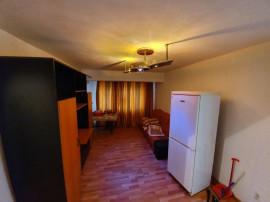 9 Mai piata - apartament 2 camere, parter, pretabil cabinete