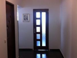 Apartament 3 camere,mobilat+electrocasnice,stradal,loc parca