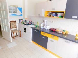 Apartament cu 2 camere decomandat, zona Cordos